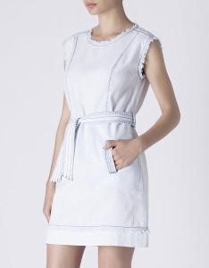 Vestido em denim desfiado com cinto - Blanco: 29,99€
