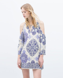 Vestido estampado com ombros descobertos - Zara: 39,95€